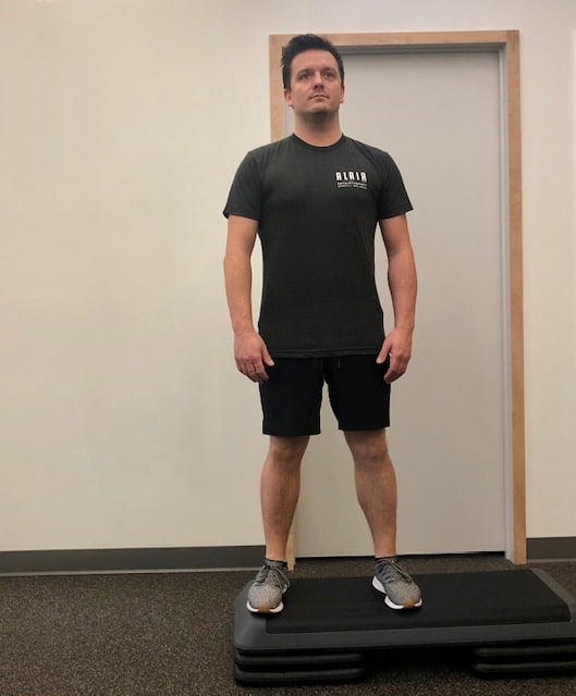 Lateral drop squat - Position 1 of 4