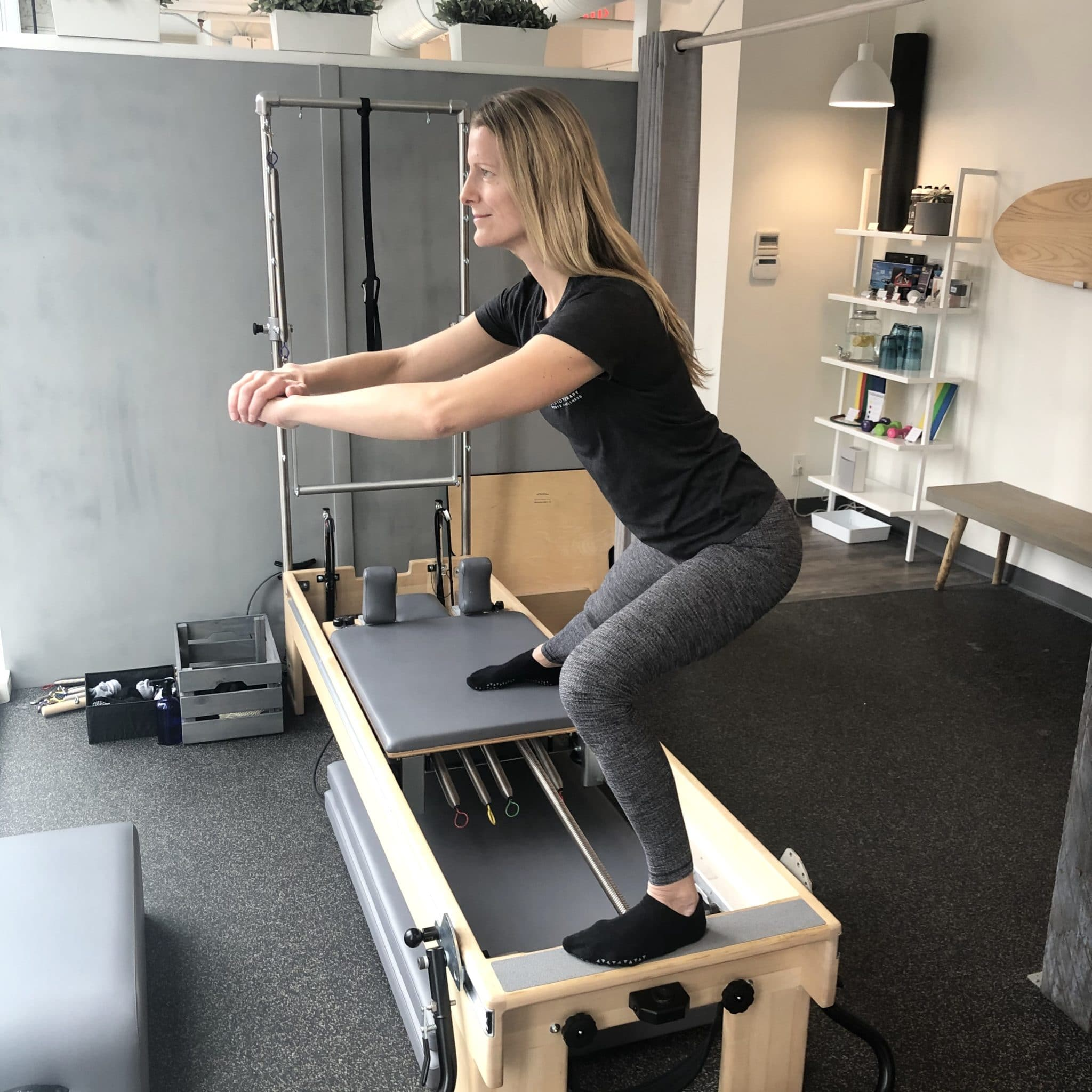 Pilates Exercise runners Skater squat